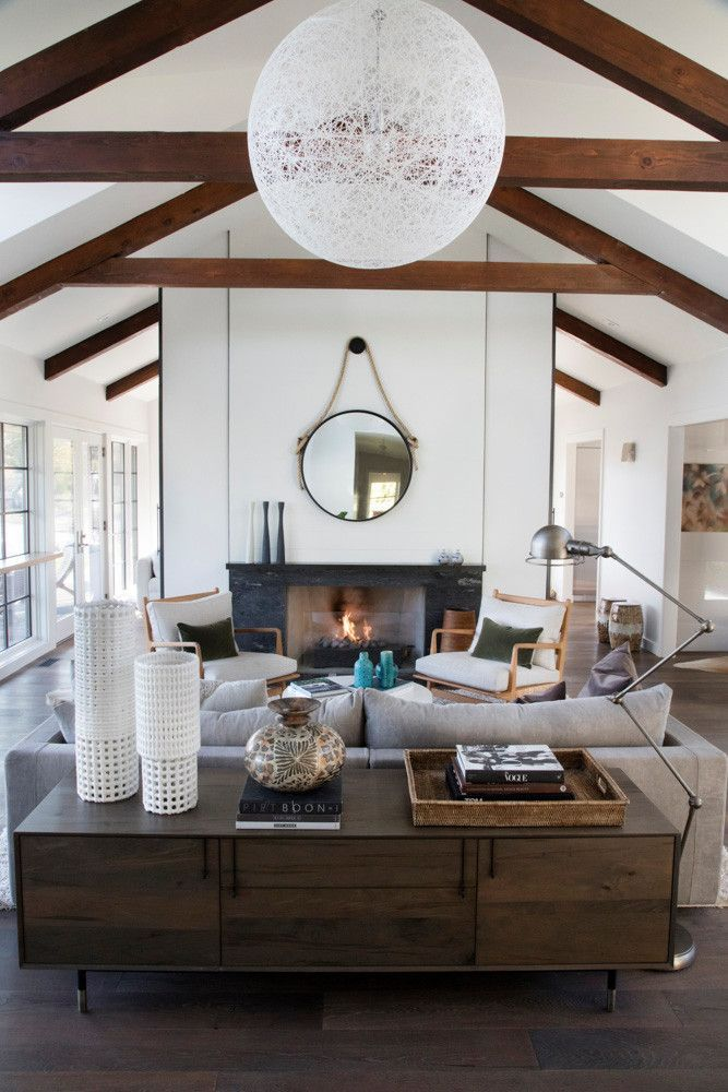 Before And After Ashley Garelick S Beachy Boston Home Home Living Room Home Luxury Homes Interior
