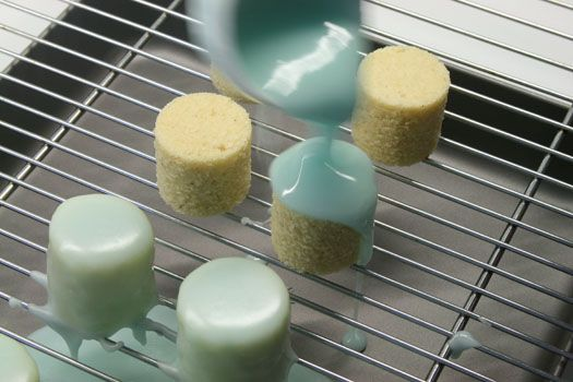 How to make Petit Fours: Tea Party, How To Make Mini Cake, Petit Fours, Cake Pop, Pound Cake, Small Cake, Mini Cakes, Cake Decorating