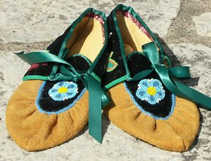ojibwe moccasins  | to enlarge ojibwe moccasins new ojibwe traditional style moccasins ...