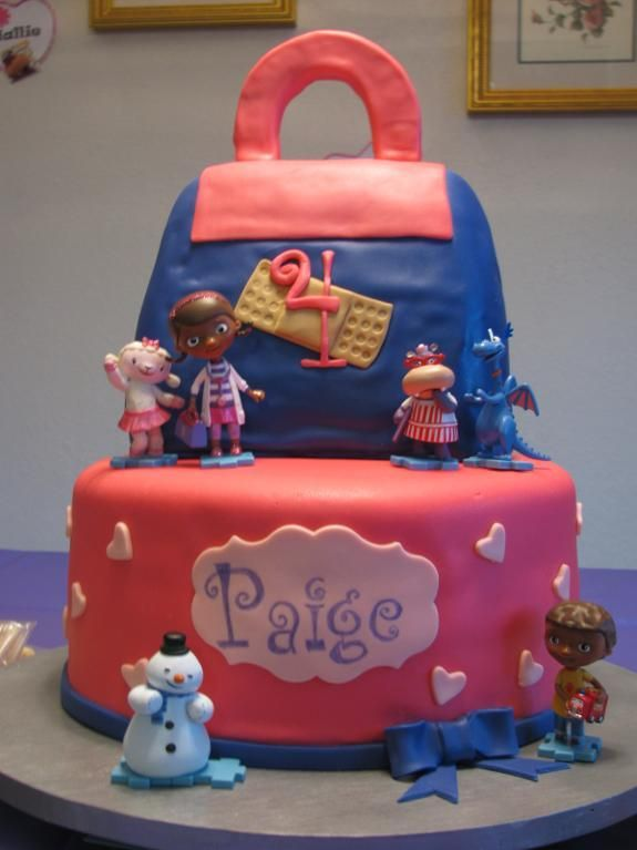 doc mcstuffins birthday cake | Doc McStuffins cake by ZiggyHopper | Cake Decorating Ideas