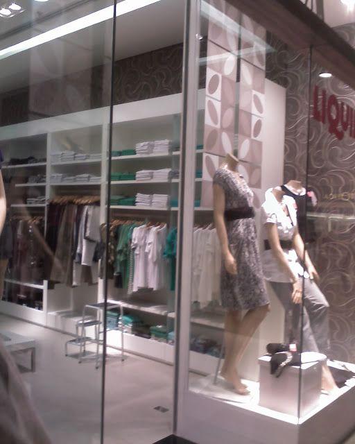 Del Carmen by Sarruc: Como decorar uma loja de roupas femininas (layout de lojas)