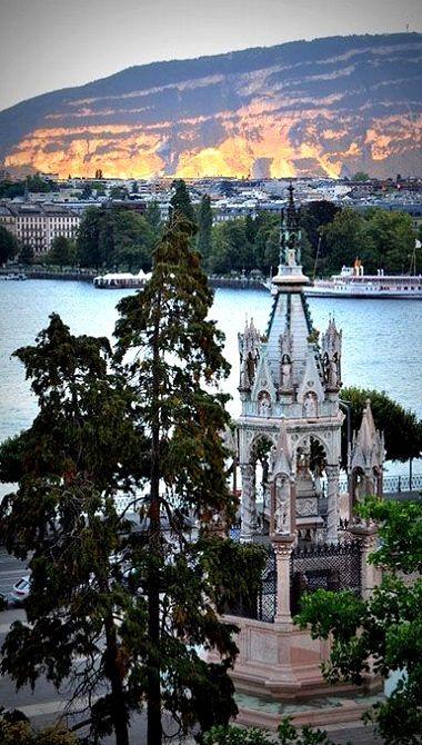 La ville de Genève, Suisse est pleine d'histoire, d'amusant, et des activités intéressant.