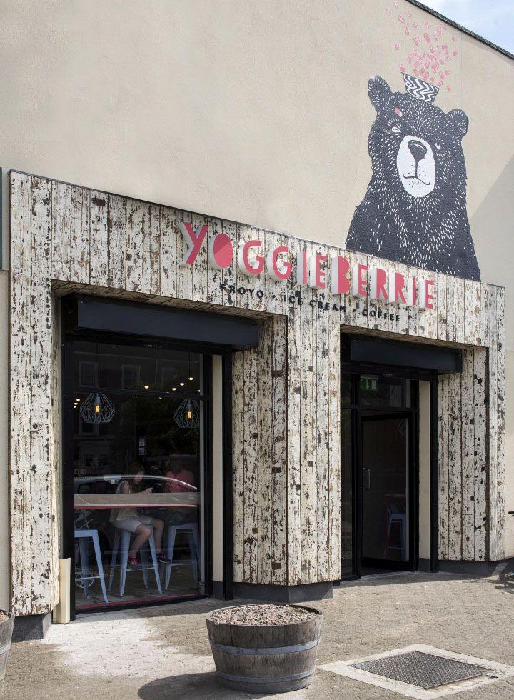 Интерьер кафе кондитерской Yoggieberrie в Белфасте