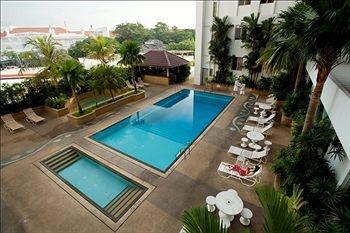 Bayview Hotel Georgetown Penang - Swimming Pool