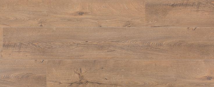 Bruine Eik Gebarsten - Een rustiek eiken vloer die door het roken van het hout een mooie, warme, donkere gloed krijgt. Leuk metwindscheuren en een olie-optiek afwerking.