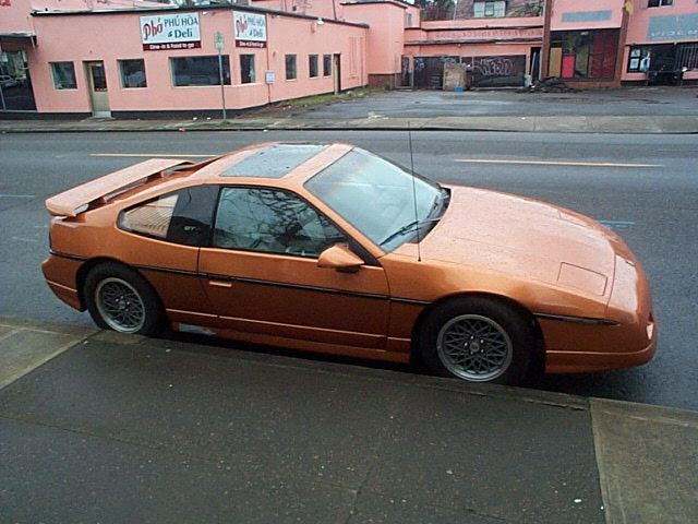 pontiac fiero | Pontiac Fiero GT. MotoBurg