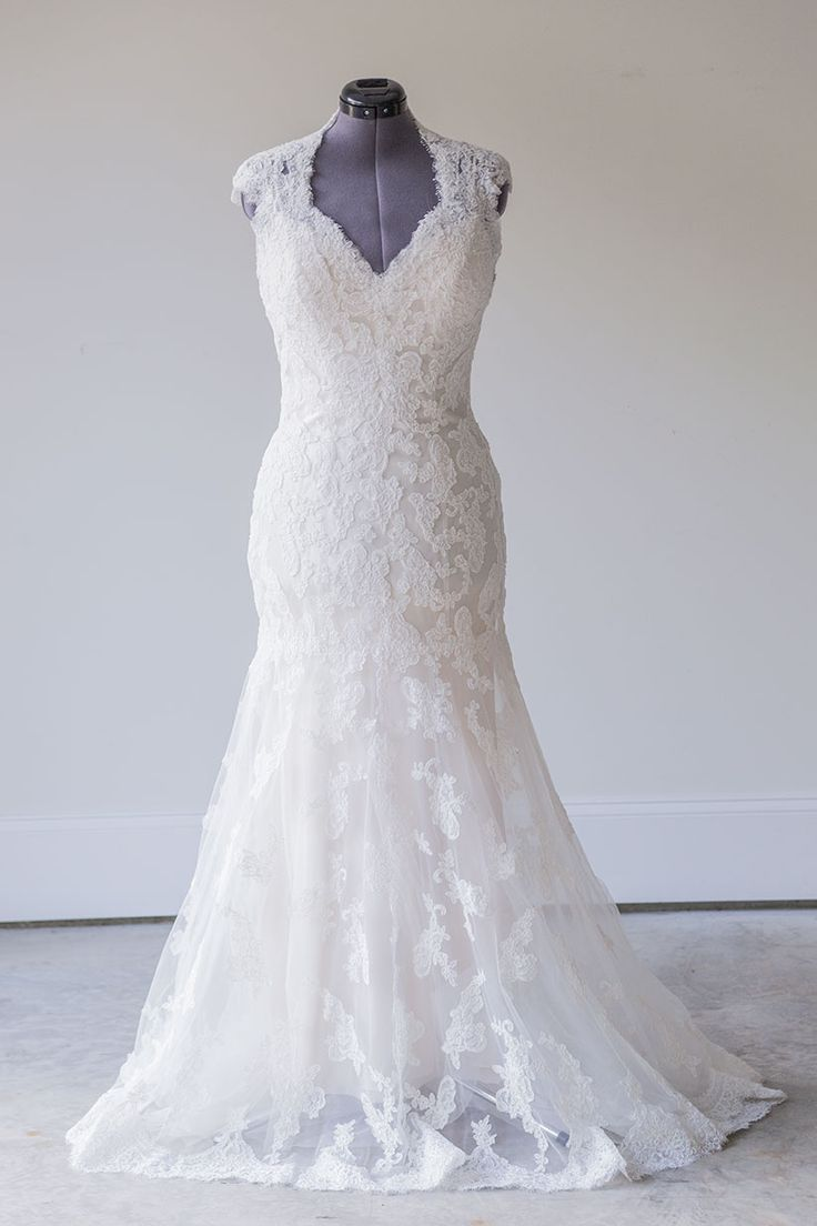 22 best jenny packham wedding dresses for rent or sale images on maggie sottero bronwyn size 14 maggie sotteros dreamy brownwyn gown features junglespirit Choice Image
