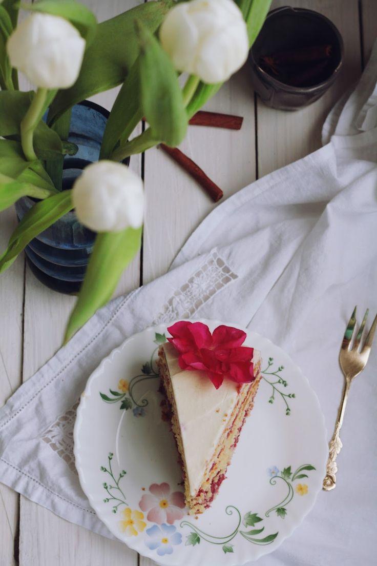 Honey cake: Весенний торт со смородиновым курдом