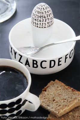 Porcelain bowl with typography by Arne Jacobsen. www.designletters.dk