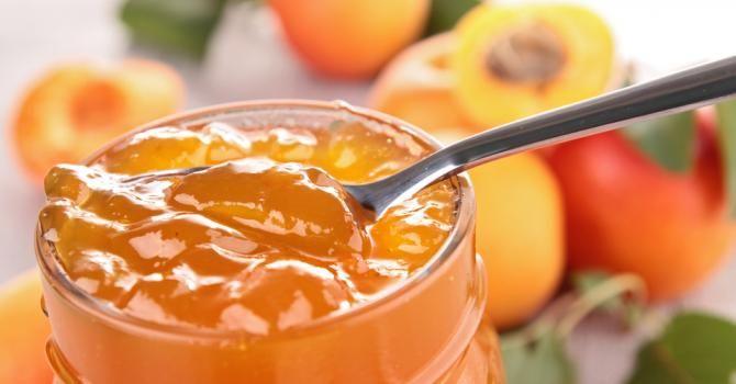 Recette de Confiture d'abricots régime Montignac. Facile et rapide à réaliser, goûteuse et diététique. Ingrédients, préparation et recettes associées.