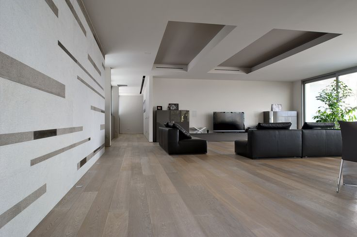 #plywood #multilayer #parquet. (mod. Firenze). Exceptional silkiness to the touch, sensational #natural #shades and emotions invoked by fanciful play of #wood #grain #patterns. This is a mix of new and positive feelings that only #nature could give us.