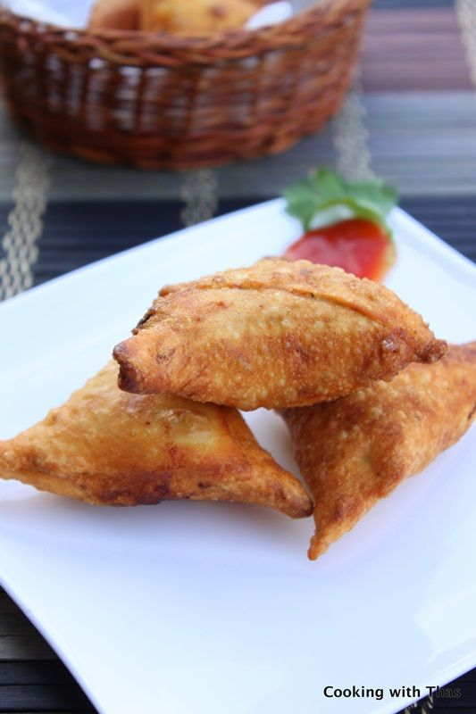 Yummy Food: {Ramadan Special} - Guest Post: Chicken Samosa from Thasneen of Cooking with Thas