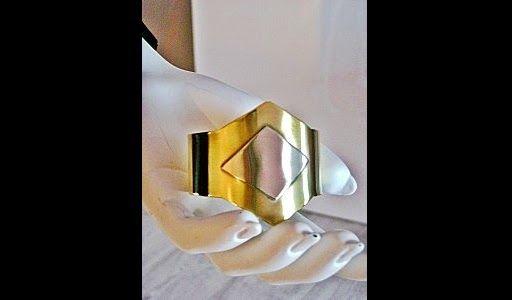 Les bijoux de Malyzarie créations : http://www.menagere-trentenaire.fr/2012/02/21/bijoux-malyzarie-creations