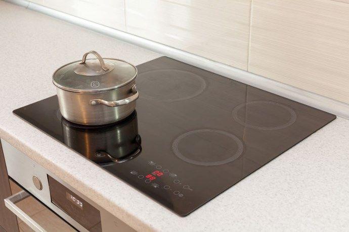 Elektrisch fornuis of inductievuur? Zo maak je ze schoon - Het Nieuwsblad: http://www.nieuwsblad.be/cnt/dmf20160408_02226239