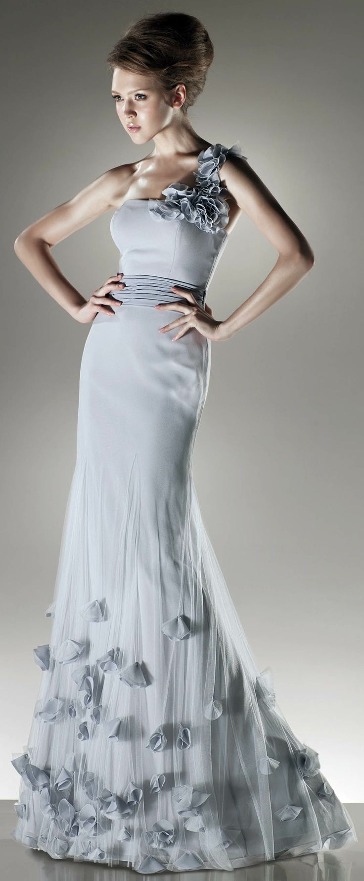 1667 best Dresses & Shoes images on Pinterest | Bridal gowns ...