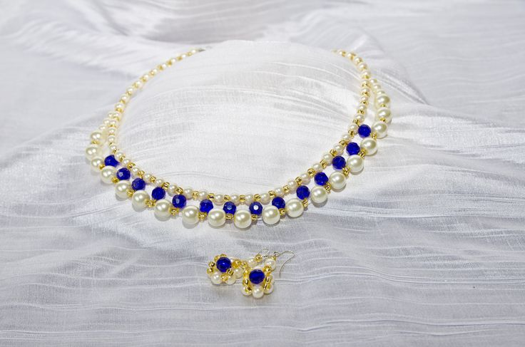 Royal Queen pearl necklace and earings
