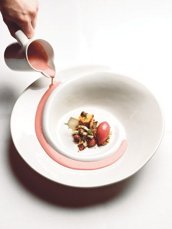 For Savoy -plates designed Bryssel Karin Widnäs for Savoy restaurant in Helsinki, Finland