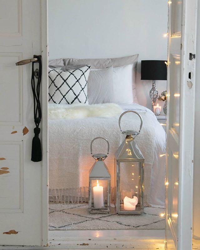 // Sundays are so ❤ Ihanaa iltaa // . . . . . . . . . . #homestyle #bedroom #Interior#interiordesign #interiorstyling #Interior125#interior4all#interiorinspiration#interior123#homedecor #inredning #whiteinterior#interior_and_living #interiors#scandinavianinterior#likeforlike#like4like#interiørmagasinet #sfs#interior4you #nordiskehjem #interiorforinspo #instahome#interiors #passion4interior #interiores#interior2you#skandinaviskehjem #interior_and_living #boligpluss