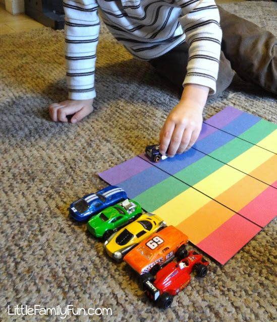Teaching colors to toddlers. Could do letters too ! Draw a color square from a bag (or make a block with colored sides and roll like dice) then kids move the cars one space. First car to finish wins! Little Family Fun: Rainbow Race! For boys (or girls!) activity game