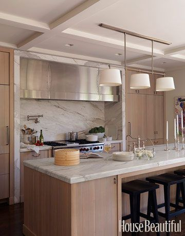 20 best images about kitchens with oak cabinets on for Are white kitchen cabinets still in style