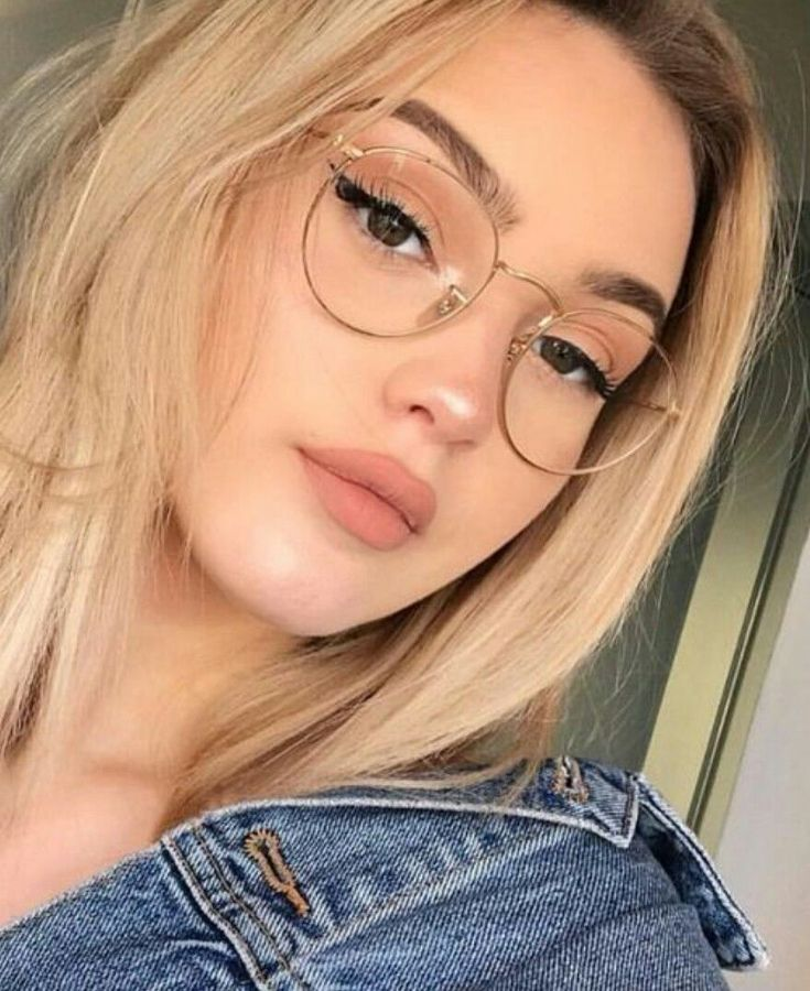 Fanfic-Stephany Melo character -  Fanfic-Stephany Melo character  - #character #fanfic #FanficStephany #glassesframes #Melo #noisepiercing #stephany #wirewrappedjewelry