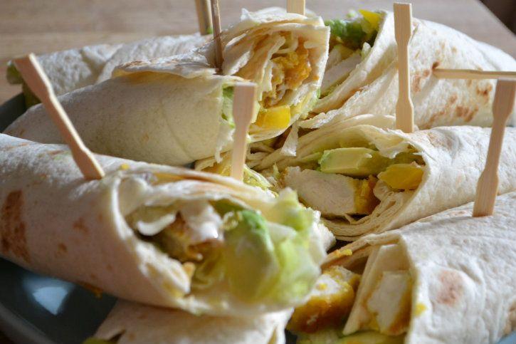 Een snel en gezond recept voor krokante kip wraps. Lekker met kip, paprika en avocado! Prima voor de lunch, maar ook als hoofdgerecht!