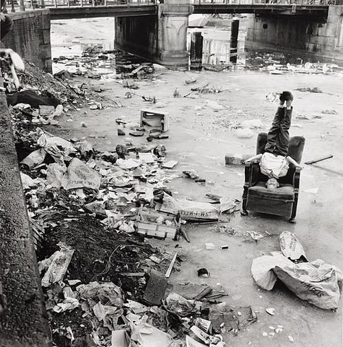 Frits Weeda  Bevroren Brouwersgracht, 1963  Thanks to wonderfulambiguity