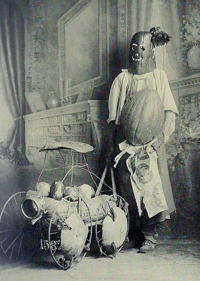 17. Винтажный костюм на Хэллоуин