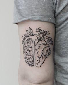 Piensa con el cerebro y siente con el corazón