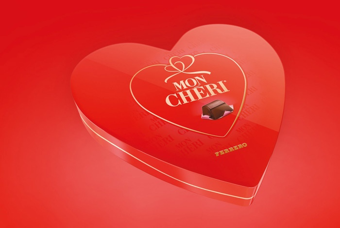 An hearth-shaped pack for a very special Valentine's day. A precious and unique gift for the customers to fall in love once again with the brand. ARC'S have interpreted the visual translation of love and care for one of the most lovable praline from Ferrero, Mon Cherì.
