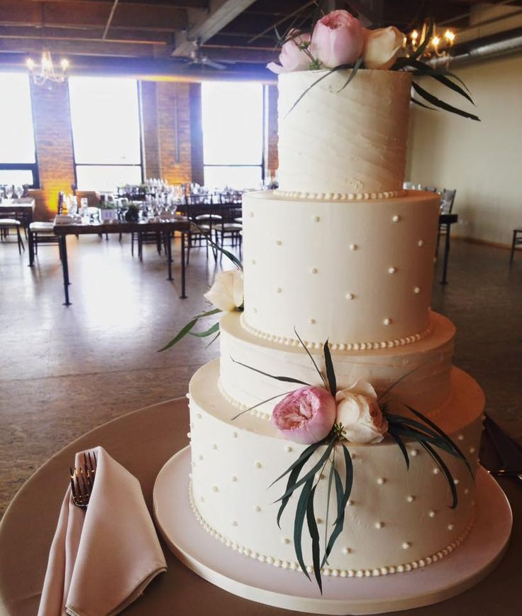 wedding cakes in chicago illinois 10 ideas about buttercream wedding cake on 4 24602