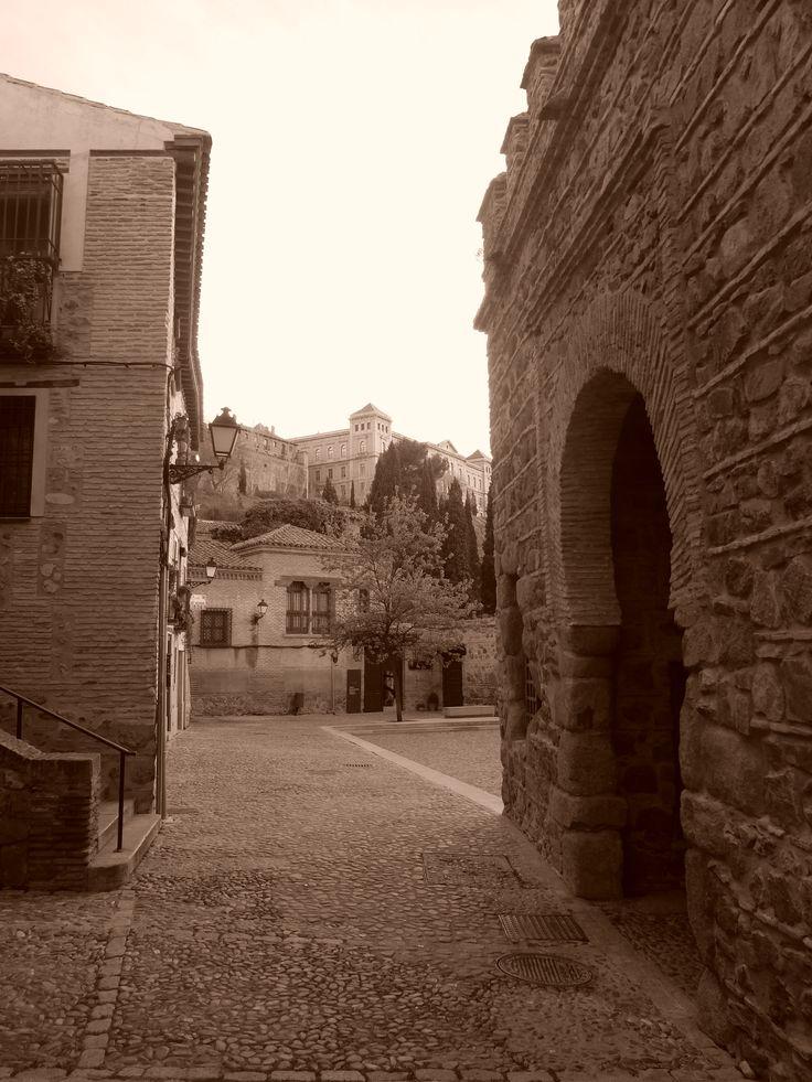Puerta de Bisagra Vieja
