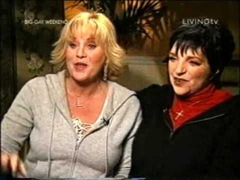 Lorna Luft & Liza Minnelli - Tale of Two Sisters (Judy Garland) - Part 1 - YouTube