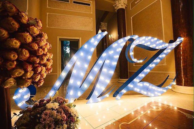 146 отметок «Нравится», 8 комментариев — 💡 БУКВЫ С ЛАМПОЧКАМИ (@novolights) в Instagram: «Помните наши полтораметровые буквы для украшения торжества в г.Сочи?😏 Они выполнены из дерева со…»