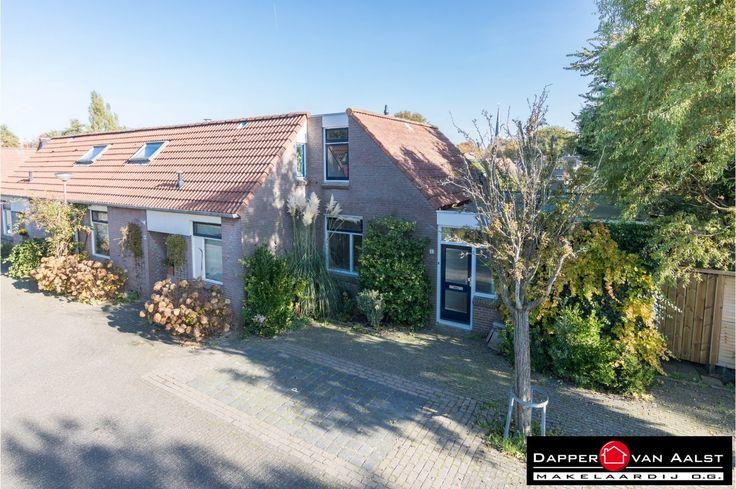 Een heerlijke hoekwoning (semi-bungalow) in een rustige en groene omgeving van Alkmaar. In combinatie met een grote tuin is dit een absolute buitenkans! Genieten van het buitenleven! Klik snel hier: http://www.makelaar-alkmaar-dapper-vanaalst.nl/woning/alkmaar-paltrokmolen-2/