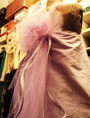 Vestito lilla, particolare schiena - Lilac dress, back #ceremony #fashion #bridal #bridesmaid