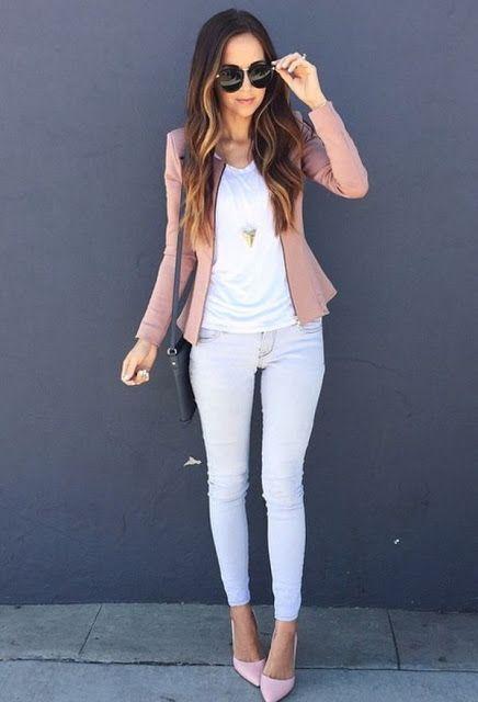 Los jeans son una prenda que a muchas nos encanta. Son versátiles ycómodos, por lo que queremos llevarlos a todos lados. Sin embargo, irte de jeans a la oficina no siempre es lo mejor. O al menos no lo es si los llevas rotos o no cuidas otros detalles importantes para seguirte viendo...