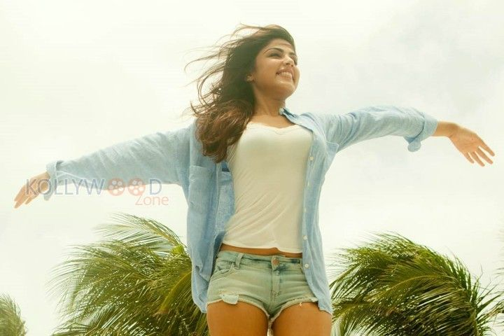 Rhea Chakraborty Actress Rhea Chakraborty New Pictures ...