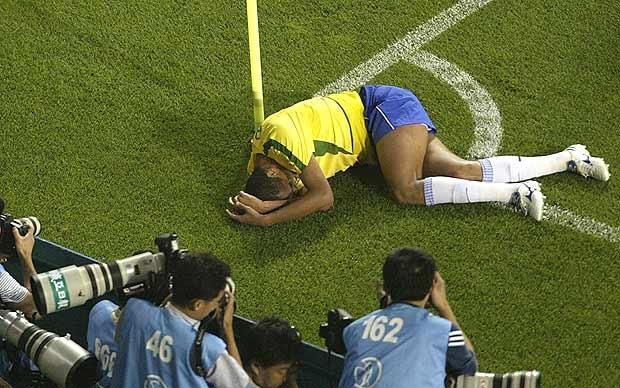 Football dives in pictures - Telegraph