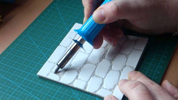 tutorial sencillo para hacer una base o suelo de imitacion de piedra en goma eva con pirograbador para tus fofuchas