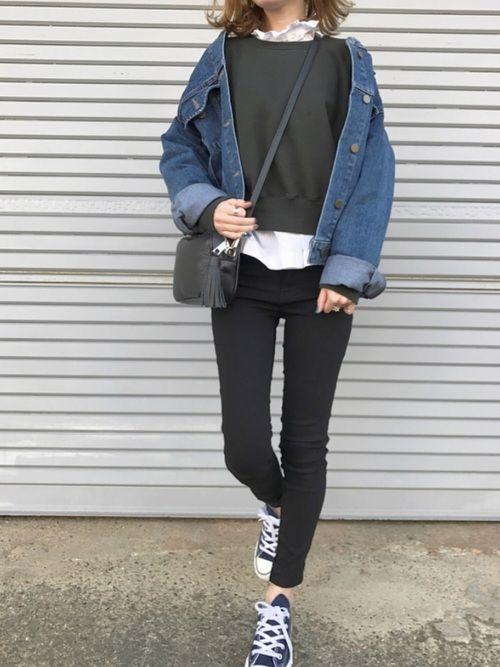 shinoさんのブランド LAULENのデニムジャケットは、 オーバーサイズ感が絶妙で ス
