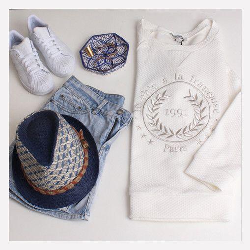 Sweat Lormont – Romane-chic-à-la-francaise-superstar-adidas-la-petite-française-mya-bay-chapeau