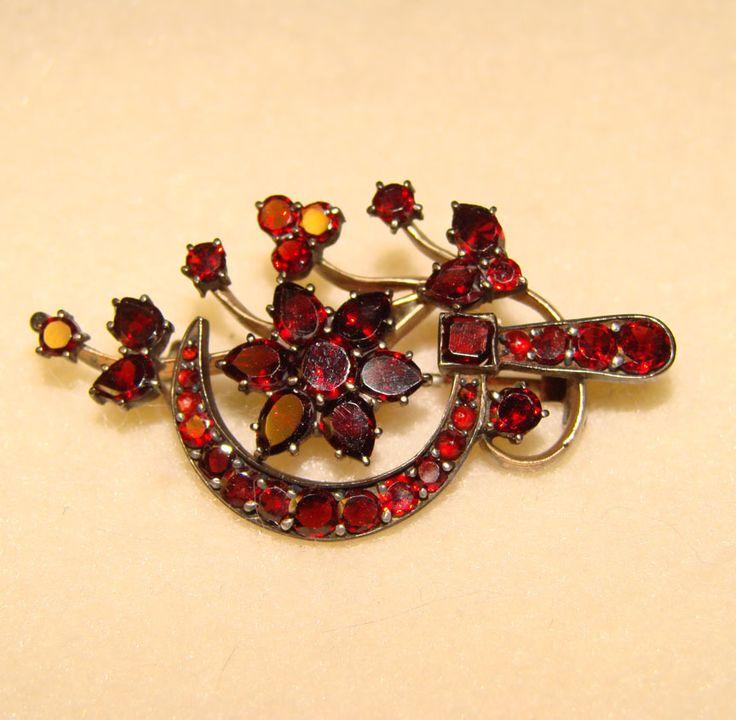 Vintage Rose Cut Garnets. Antique Victorian Bohemian Garnet Brooch