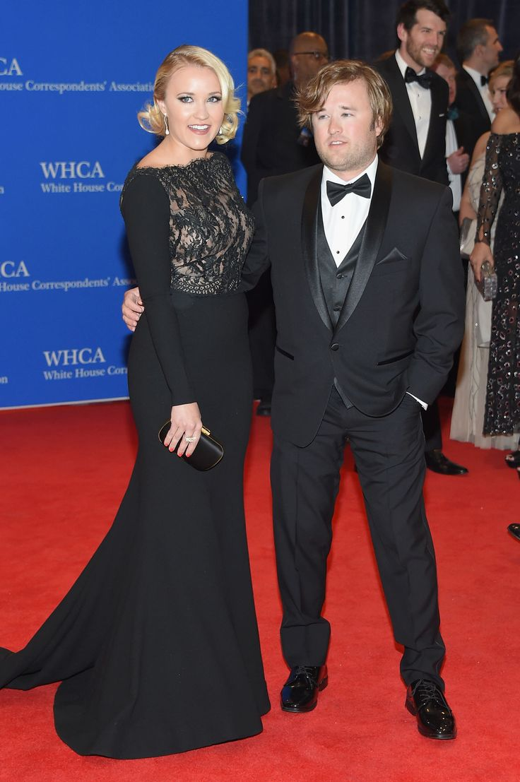 Emily & Haley Joel Osment at the White House Correspondents' Dinner 2015 - ELLE.com
