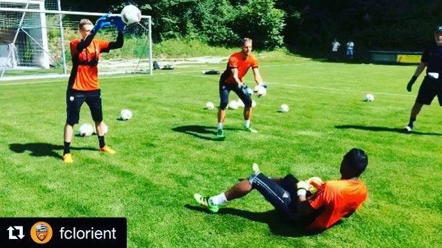 Goalkeeper training at @fclorient  _______________________________________________________ #goalkeeper #goalkeepers #goalkeepertraining #goalkeepercoach #goalkeepercoaching #torwart #torwarttraining #torwarttrainer #keeper #målvakt #målvaktsträning  #gardiendebut #portiere #målmandstræning #soccer #football #fussball #sport #bramkarz #bramkarze #goleiro #goleiros #portero #kaleci #love #training #golman #fclorient #france