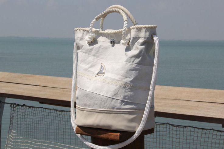 Borsa in tela vela riciclata con cima nautica originale    #handmade #bag #borsa #sailbag #borsavela #unique #artigianale #madeinitaly #bolina #sail #vela #lignano #recycled #riciclo #dacronbag #classic #classicline