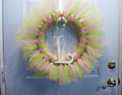 Tutu Wreath: Little Girls, Chic Creations, Princesses Wreaths, Tutu Wreaths, Parties Girls 1St, Baby Girls Tutu, Parties Pleaser, Princesses Parties, Baby Shower