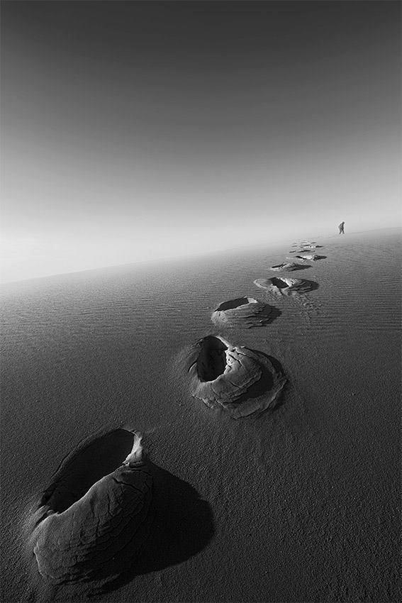 Footprints by Adrian Sommeling. Landscape Photography. #blackandwhite #bw #landscape #photography