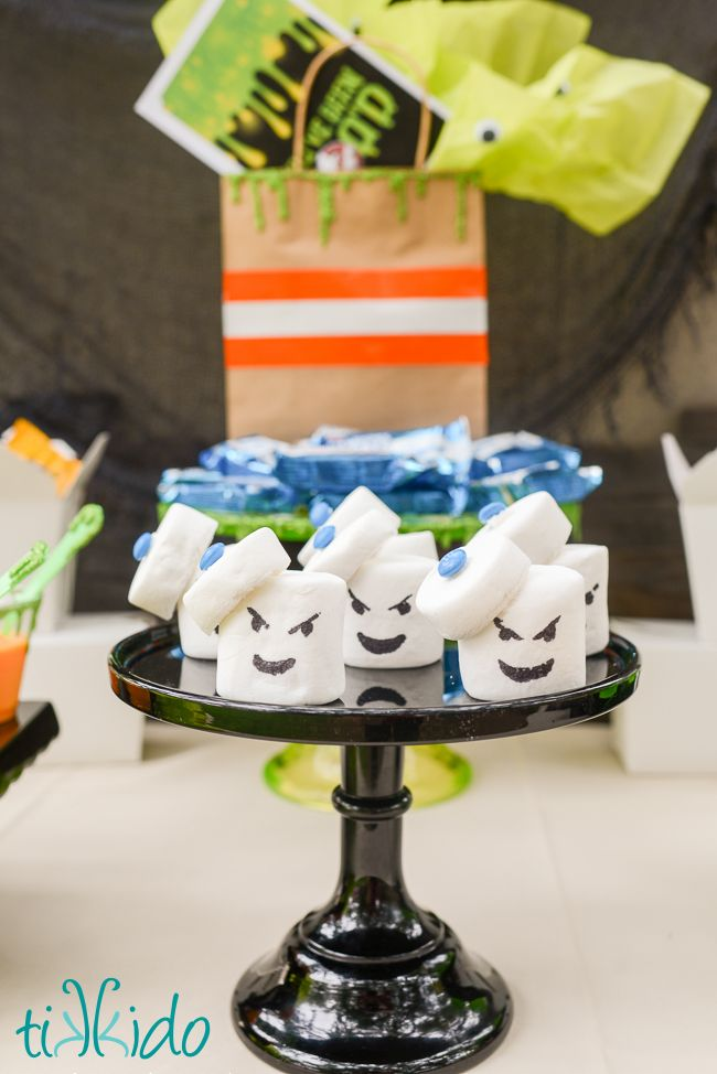 How to make easy no-bake Ghostbusters Stay Puft Marshmallow Man treats--out of marshmallows, of course!