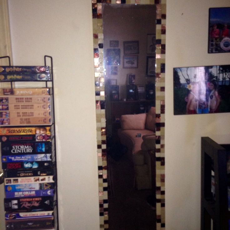 cheap wall mirror in apt installed by previous tenets gave it a facelift thanks to